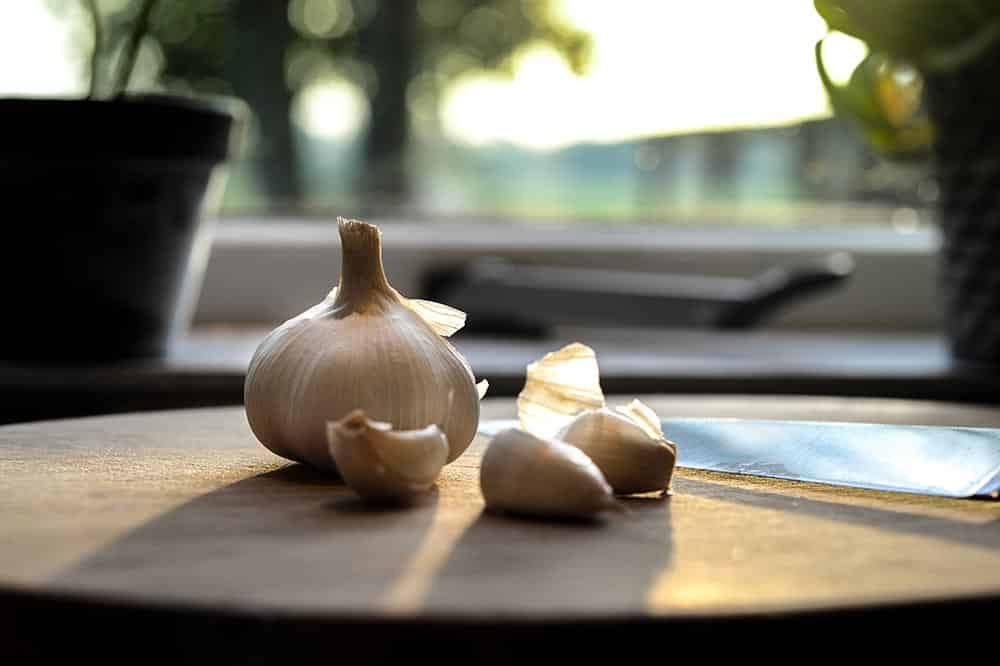 What does it mean to dream about garlic